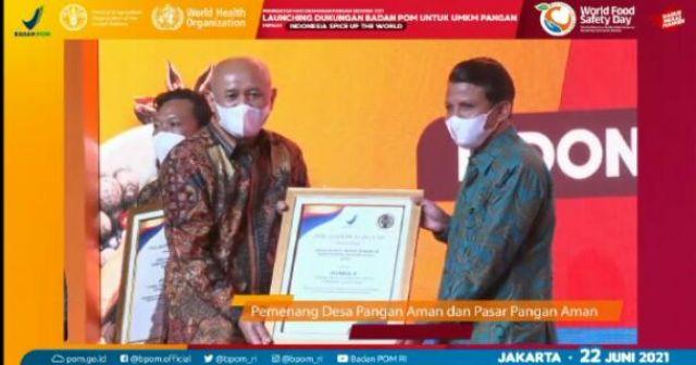 Desa Bukit Intan Makmur Juara 2 Nasional Lomba Desa Pangan Aman. Bupati H. Sukiman, Bangga, semoga pertanda awal tugas yang baik