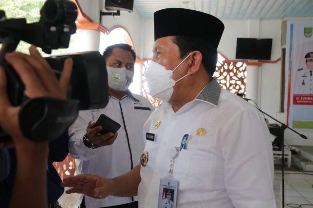 Kasus Covid-19 Menurun, Bupati H. Sukiman Himbau Masyarakat tetap Patuhi Prokes dan Sukseskan Vaksinasi