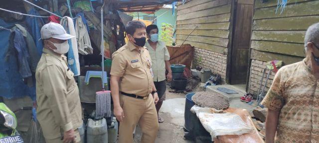 12 Rumah di Rambah Samo Diterjang Angin Puting Beliung, Plh Bupati minta BPBD Rohul Lakukan Pendataan